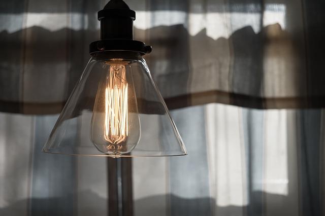 skleněná lampa